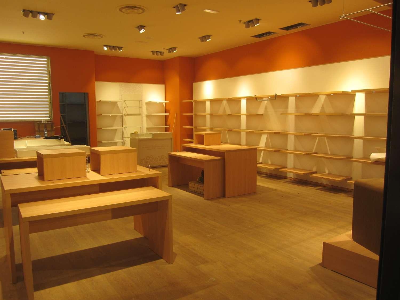 fitting_vetrina-insegna_thun_centro-commerciale-milano-fiori_assago_tom-box-team_prima
